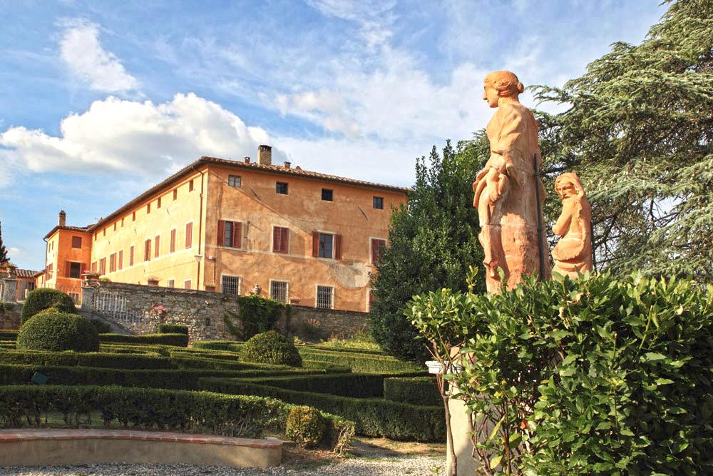 looking-for-wedding-photographer-siena-villa-catignano-venue-town-hall-tuscany-italy.jpg