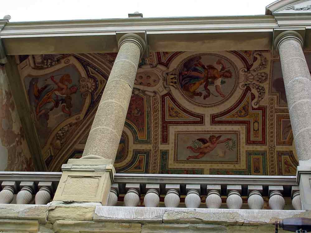 Villa_medicea_di_artimino_(la_ferdinanda),_loggetta_con_affreschi.jpg