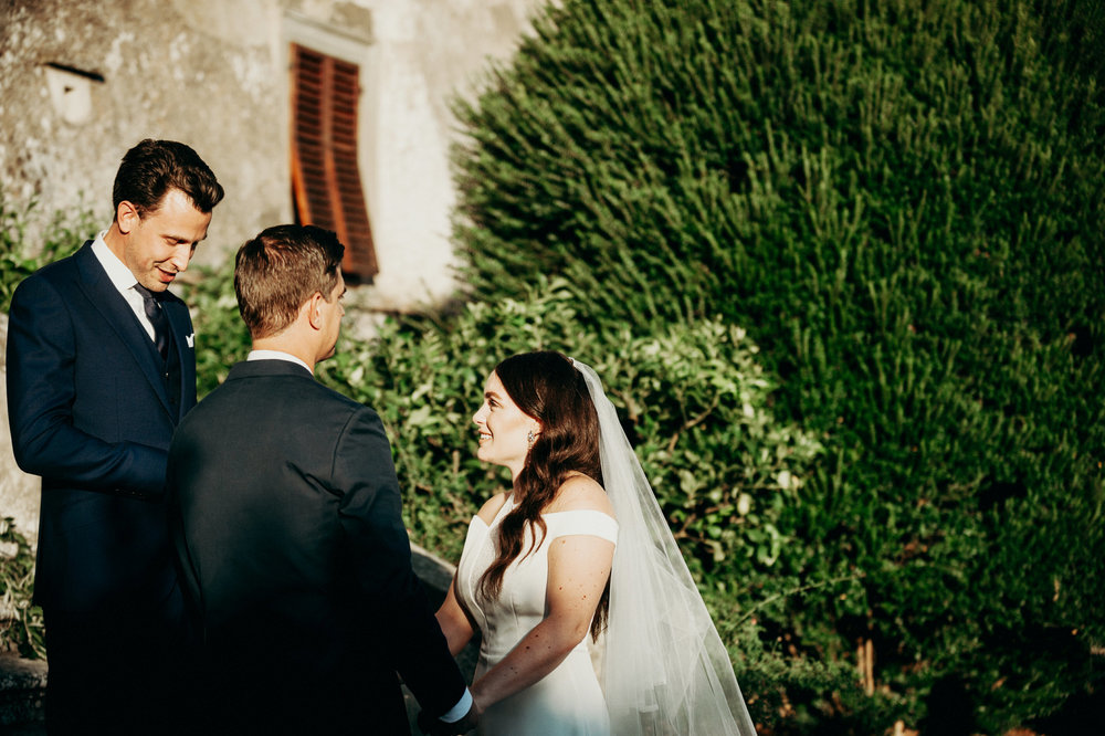 intimate-wedding-ceremony-in-tuscany.jpg
