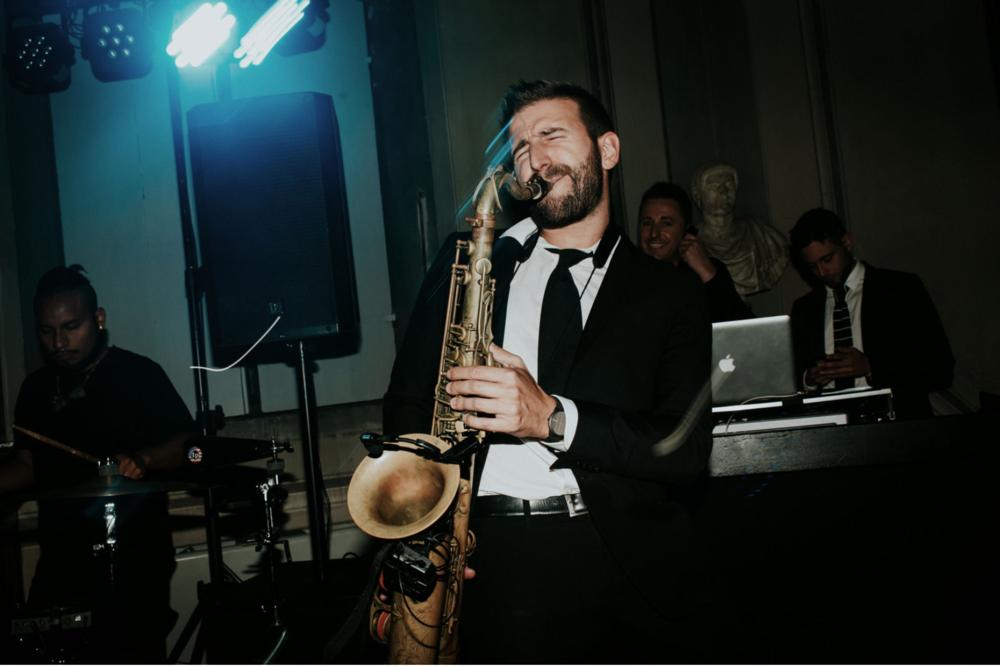 wedding-entertainment-tuscany.png