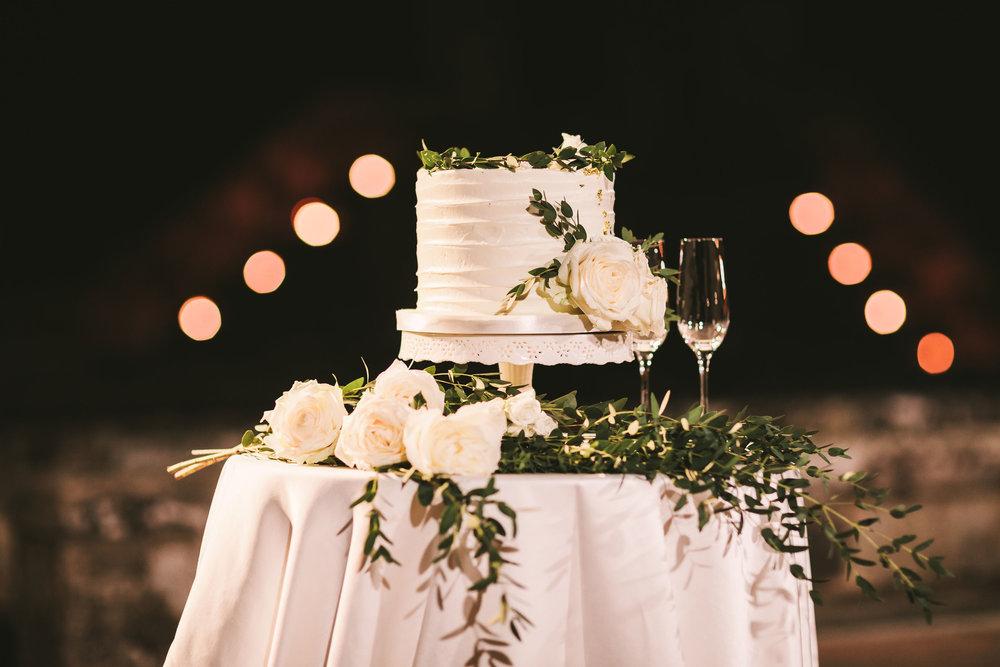 wedding-cake-in-italy.jpg