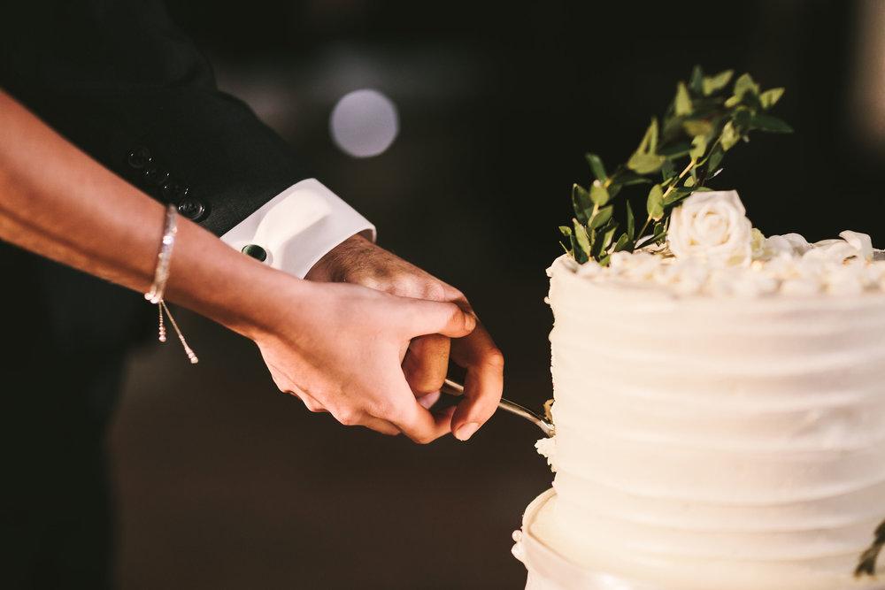 Wedding-cake-in-tuscany.jpg