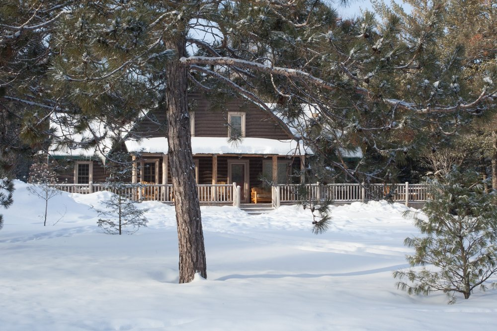 lodge.winter.new.great.ext.jan17.jpg