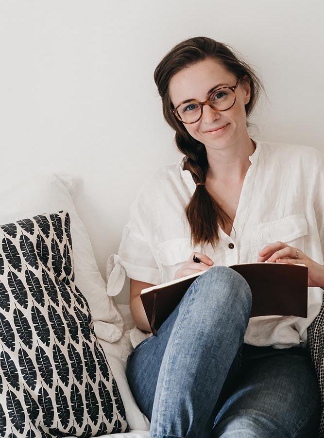Hi, I'm Laura - I created The Food Diary Co
