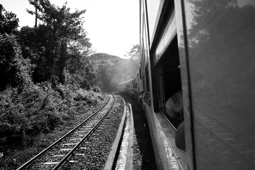 Kasia Kolmas Myanmar Yangon Train-1b.jpg