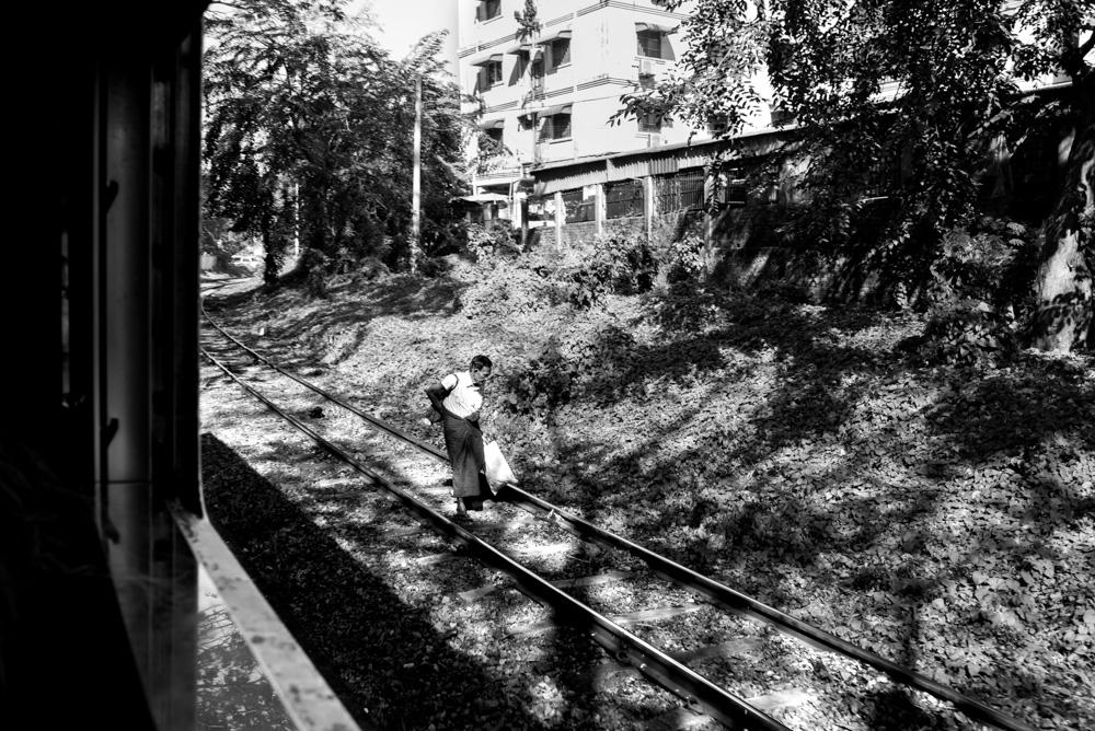 Kasia Kolmas Myanmar Yangon Train-2.jpg