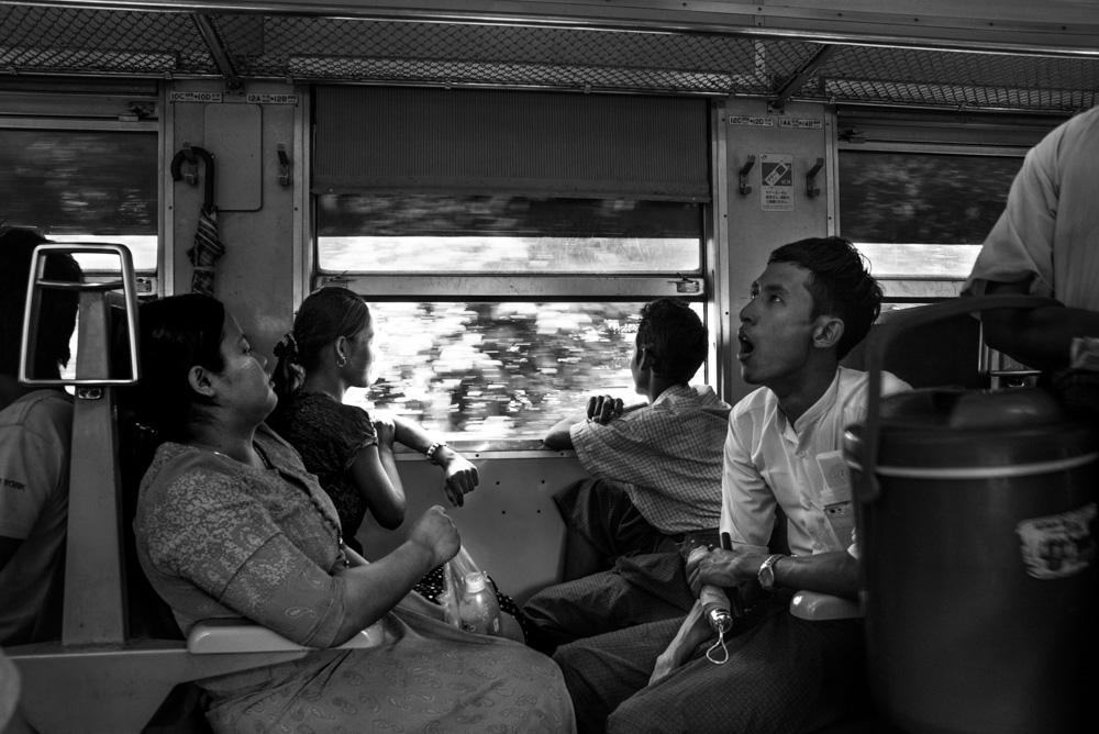 Kasia Kolmas Myanmar Yangon Train-5.jpg