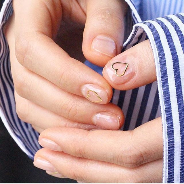 All you need is a nail sticker and a layer of @stylondon_official gel coat to create a sophisticated an fashionable look! #nails #nailart #negativespace #gelnail #manicure #nail #opi #essie #beauty #makeup #fashion #glamour #vogue #elle #glossybox #birchbox #ipsy #festival #kyliejenner #makeup #mua #sephora #asos #misguided