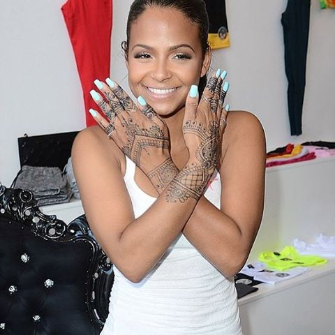 Christina Milian was our fave girl crush back in the day, she looks fab here   #henna #bbloggers #getthelook 💅🏽👌🏽✨