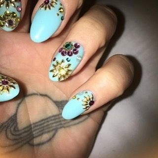 We love these funky nails Kesha is currently rocking! #NailArt #NailTech #STYLondon 💅🏽😍