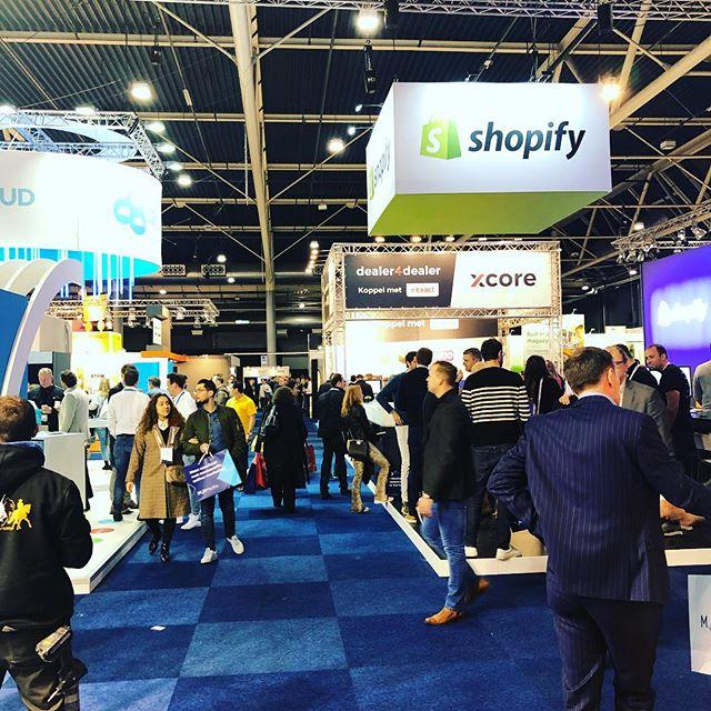 Eerste indruk op de Webwinkel vakdagen. Goed druk. Heb jij een Shopify store? Wil je jouw klanten gaan inzetten als ambassadeur? #shopify #sellifynow #webwinkelvakdagen