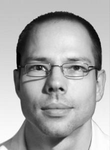 Dr. Andreas Ender   Studium der Zahnmedizin an der FSU Jena, Approbation 2001. Seit 2002 Assistent, seit 2012 Oberassistent Abteilung für computergestützte restaurative Zahnmedizin (Uni Zürich). Schwerpunkte: Patientenbehandlung mit Schwerpunkt CEREC, klinische Anwendung digitaler Abformsysteme, Genauigkeit im CAD/CAM Workflow.