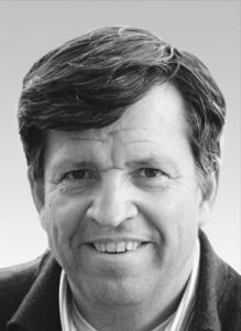Dr. Olaf Schenk   ISCD zertifizierter CEREC Trainer seit 1998. Stellvertretender Vorsitzender der DGCZ und Editor des International Journal of Computerized Dentistry. Vorträge im In- und Ausland zum Thema CEREC und Digitale Zahnheilkunde. Beta-Tester für Sirona und Berater mehrerer Dental-Hersteller. Niedergelassen in eigener Praxis in Köln.
