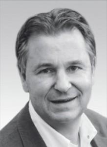 Dr. Wilhelm Schweppe   Niedergelassen mit 4 Kollegen in eigener Praxis in Fröndenberg mit Dentallabor und Schulungszentrum. CEREC seit 1990. Vorträge im In- und Ausland. ISCD zertifizierter Trainer seit 2004. Seit 1996 Mitglied im Vorstand der DGCZ. Beta-Tester für Sirona und Berater für mehrere Dentalunternehmen.