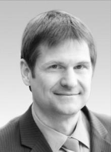 Univ.-Prof. Dr. Sven Reich   05/1989 - 08/1994 Zahnmedizinstudium. 10/1994 - 11/2005 Zahnärztliche Prothetik-Uni Erlangen. 2005 Habilitation. 12/2005–09/2009 Zahnärztliche Prothetik-Uni Leipzig. Seit 10/2009 Zahnärztliche Prothetik-Uniklinik Aachen (Direktor Prof. Dr. S. Wolfart), dort seit 07/2012 W2-Professur.