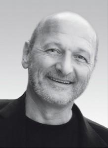 Dr. Bernd Reiss   *1958, seit 1986 in eigener Praxis, seit 1990 Lehrer der Akademie Karlsruhe, seit 1991 2./1. Vorsitz DGCZ, 1996 Walther Engel Preis, 1998 – 2008 Editor IJCD, seit 1999 Vorsitz AGKeramik, seit 2010 Vorstandsmitglied DGZMK, mehr als 500 Fortbildungsveranstaltungen, in 40 Ländern & zahlreiche Publikationen.