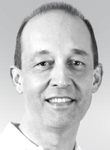 Assoc. Prof. Dr. Elmar Frank Niedergelassen seit 1991 in eigener Praxis mit Labor. Vorträge, Kurse, Veröffentlichungen und Patente in den Bereichen computergestützte Implantologie, Schablonentechniken, CT und DVT, CAD/CAM. Betatester für Dentsply-Sirona und diverse andere Firmen und Produkte. Eigene Software- und Hardware-Entwicklungen. Gründer des dentalen e-learning-Portals www.dental-users.com