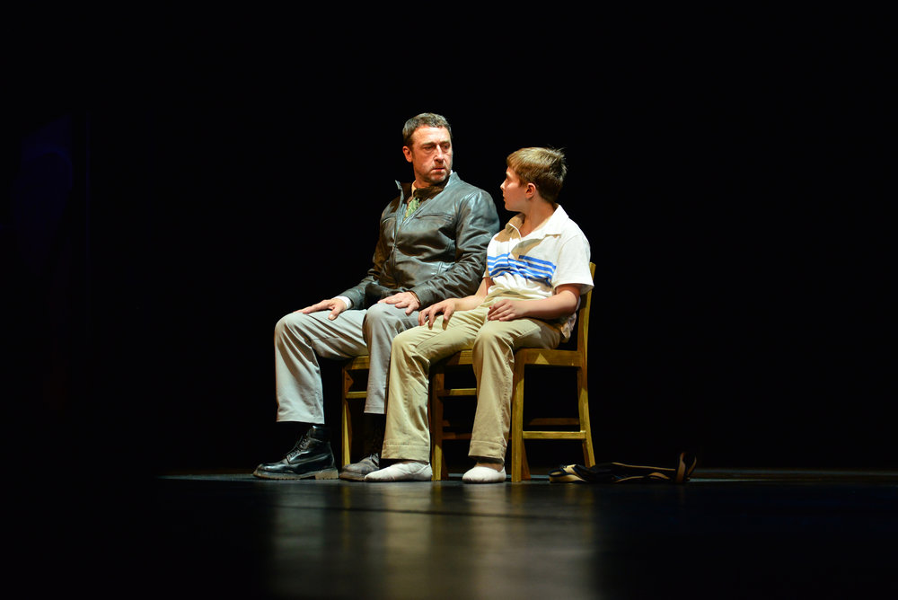 2014_OP_Billy-Elliot_Armand-Schultz_as_Dad_Noah-Parets_as_Billy_photo-by_Gary-Ng_RGB_01.jpg