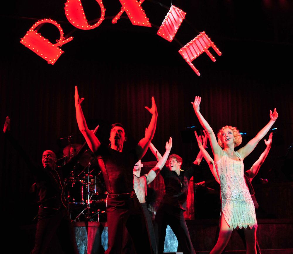 2010_OP_Chicago_Angie-Schworer_as_Roxie-Hart_Cast-of-Chicago_RGB_copy.jpg