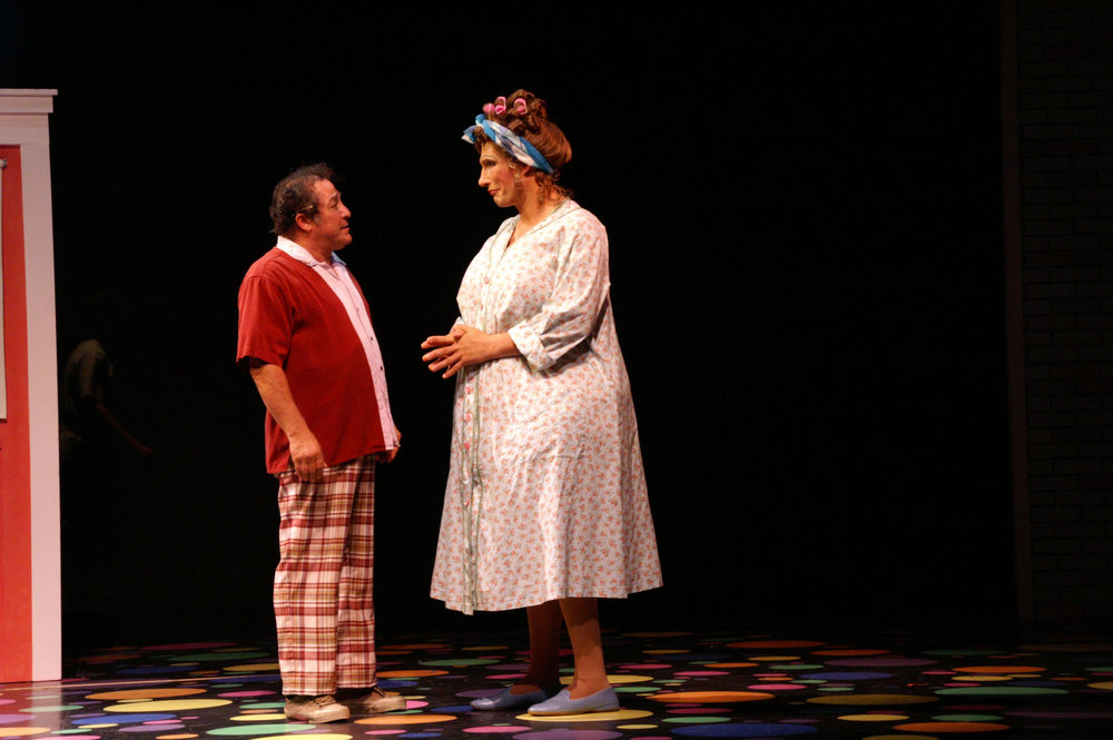 Eddie-Mekka-as-Wilbur-and-Ryan-Landry-as-Edna-Turnblad.jpg