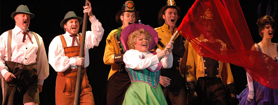 2006_Header_Hello-Dolly_01.jpg
