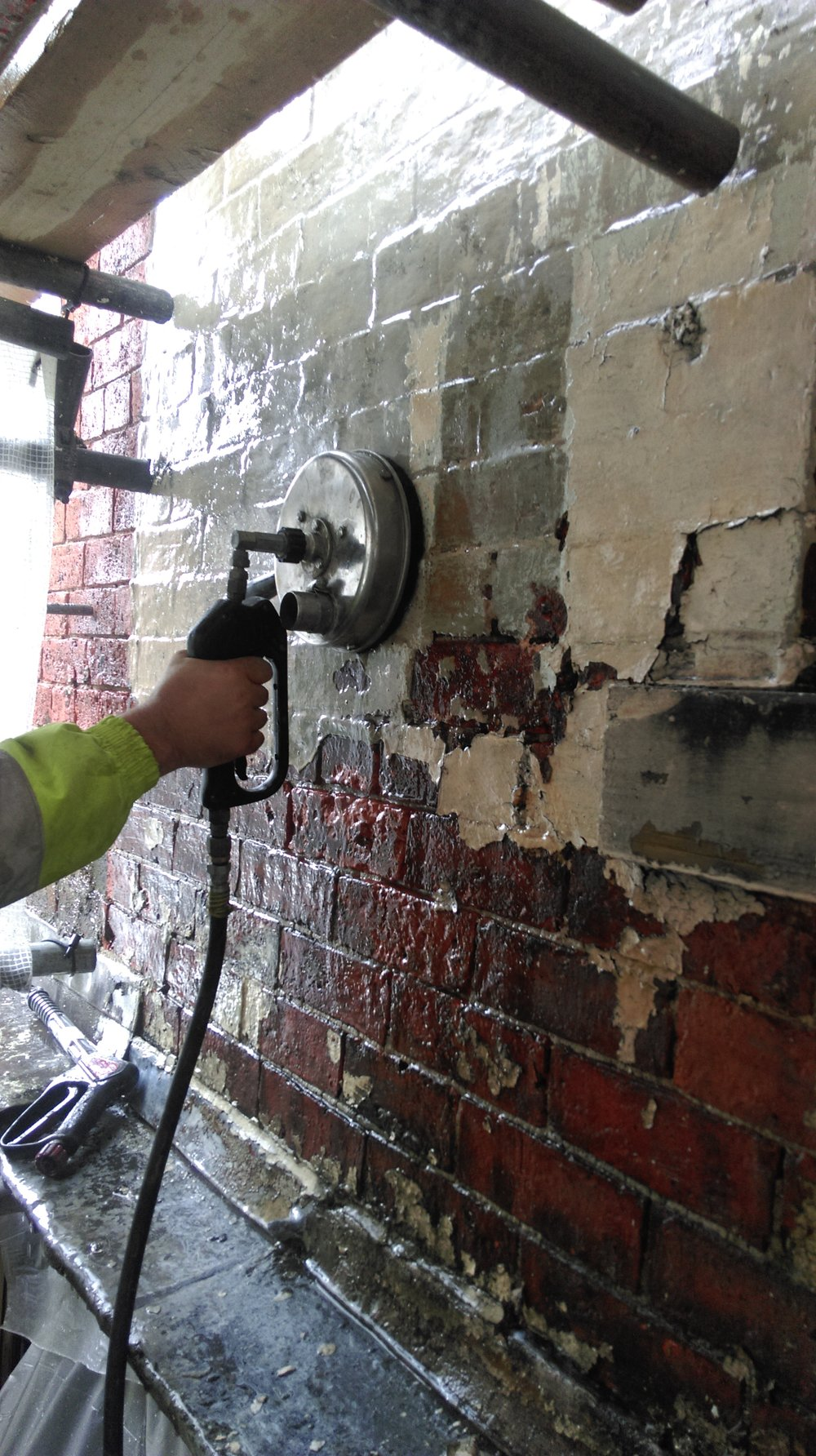 92 Kirkgate Leeds. Brick Cleaning.jpg