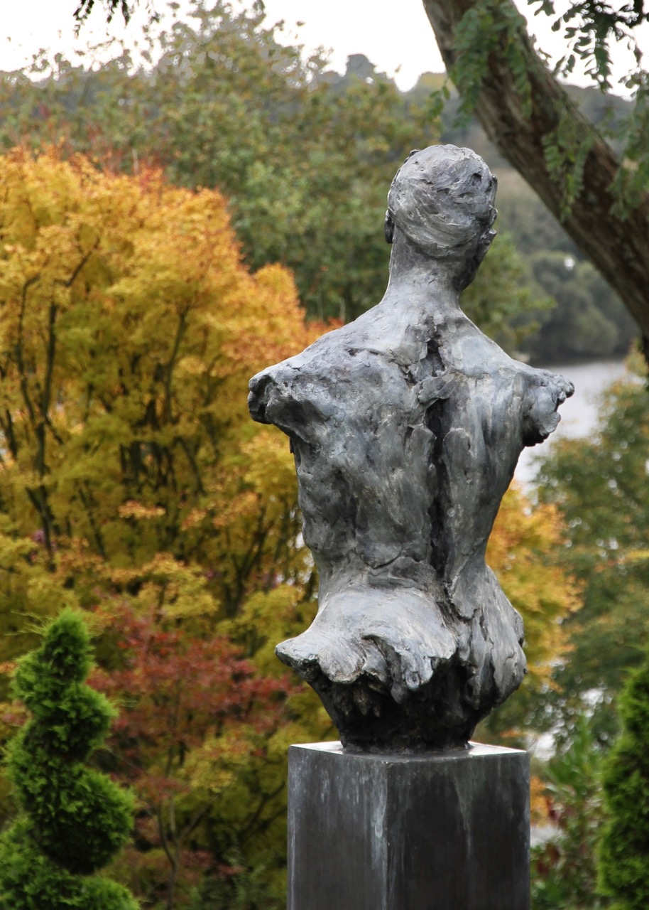 Torso , large-scale bronze, world edition of 9