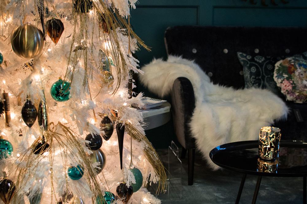4-Decorazioni-Natale-festivita-in-arrivo-negozio-A-la-Page-Roma-Eur-Arredamento-Articoli-regalo.jpg