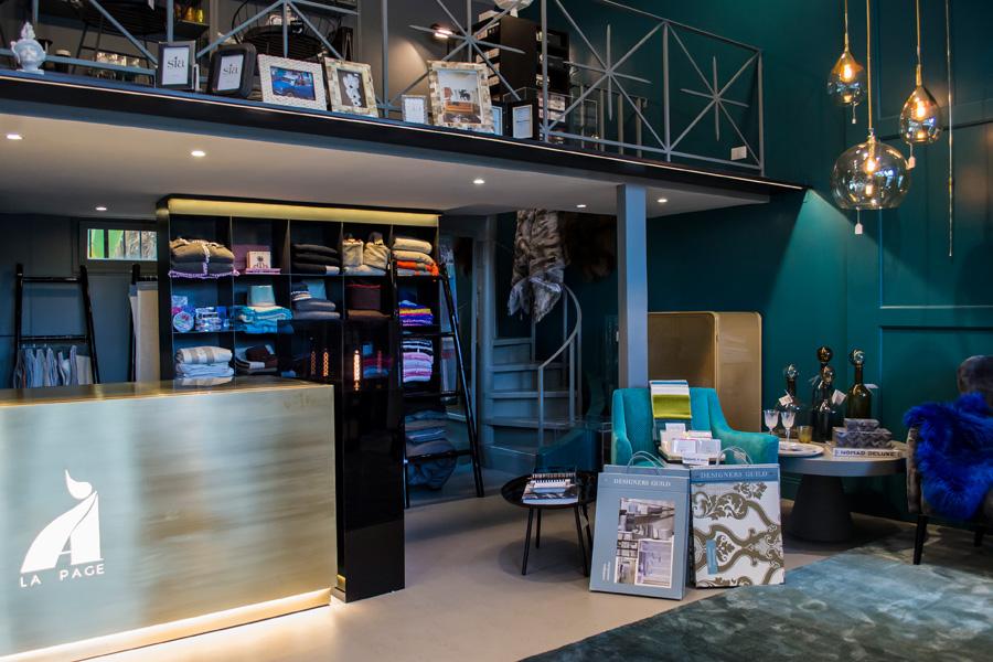 4-Restyling-negozio-A-la-Page-Roma-Eur-Arredamento-di-Interni.jpg