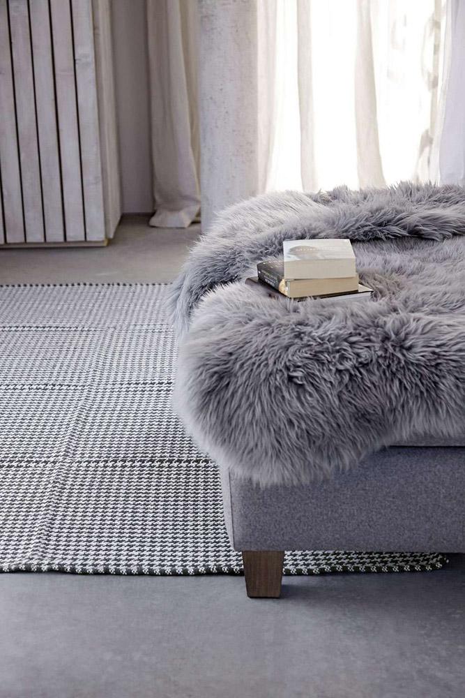 2-I-Tappeti-Collezioni-A-la-Page-Roma-moderni-colorati-diverse-forme-tappeti-sala-camera-letto-bagno-bambini-terrazzi-giardini-tappeti-facili-da-pulire.jpg