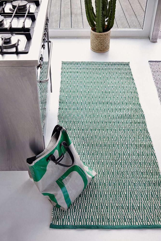 7-I-Tappeti-Collezioni-A-la-Page-Roma-moderni-colorati-diverse-forme-tappeti-sala-camera-letto-bagno-bambini-terrazzi-giardini-tappeti-facili-da-pulire.jpg