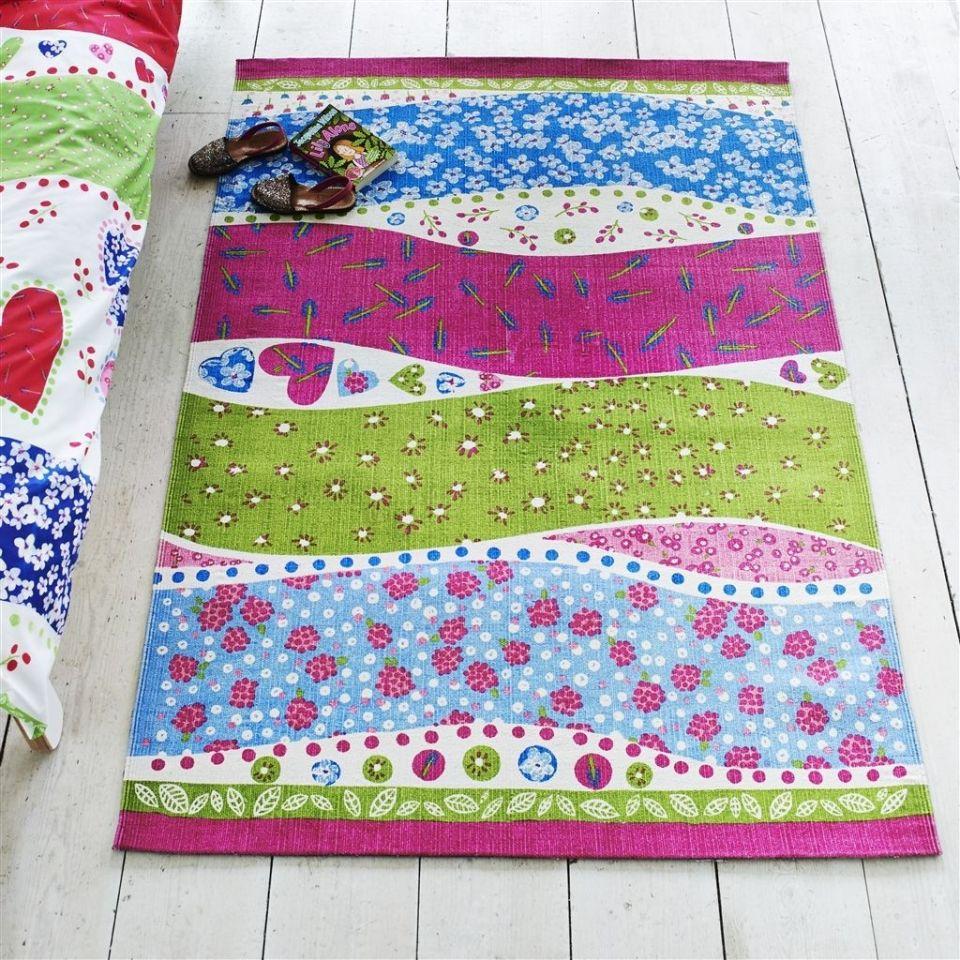 28-I-Tappeti-Collezioni-A-la-Page-Roma-moderni-colorati-diverse-forme-tappeti-sala-camera-letto-bagno-bambini-terrazzi-giardini-tappeti-facili-da-pulire.jpg