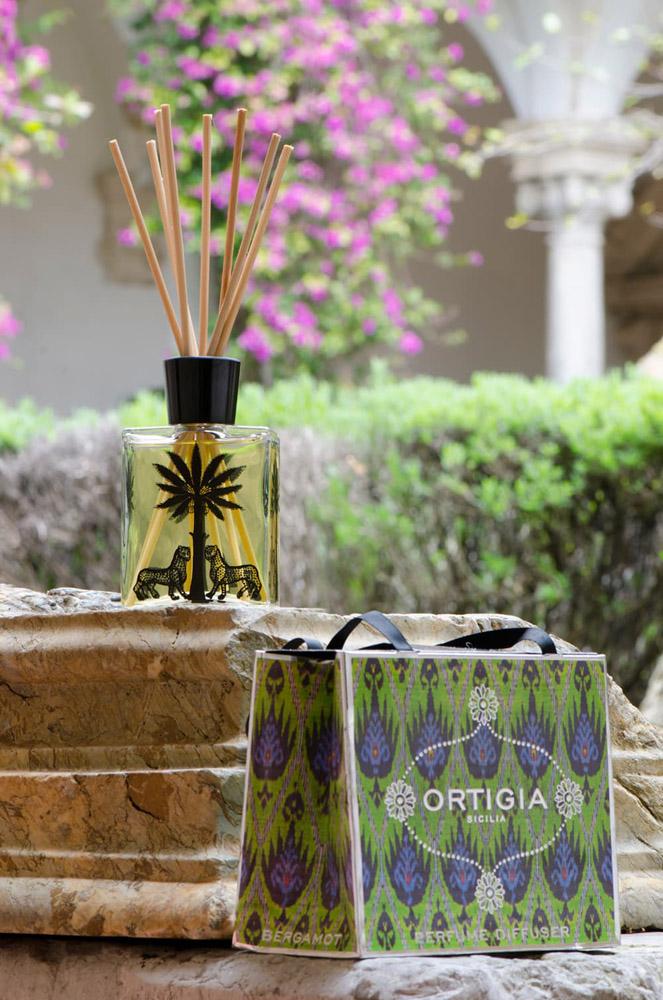 3-Ortigia-Profumatori-essenze-fragranze-per-ambiente-Collezioni-Le-Fragranze-A-la-Page-Roma.jpg