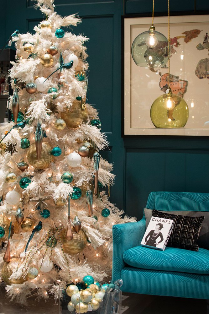 4-Le-Decorazioni-Natale-Collezioni-A-la-Page-Roma-addobbi-eleganti-Natale-festivita-cenone-capodanno-occasioni-speciali-palline-alberi-originali.jpg