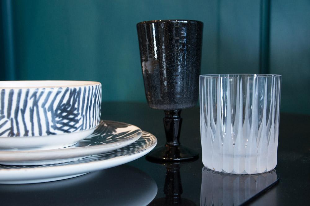 4-La-Tavola-Collezioni-A-la-Page-Roma-idee-per-apparecchiare-piatti-bicchieri-posate-originali.jpg