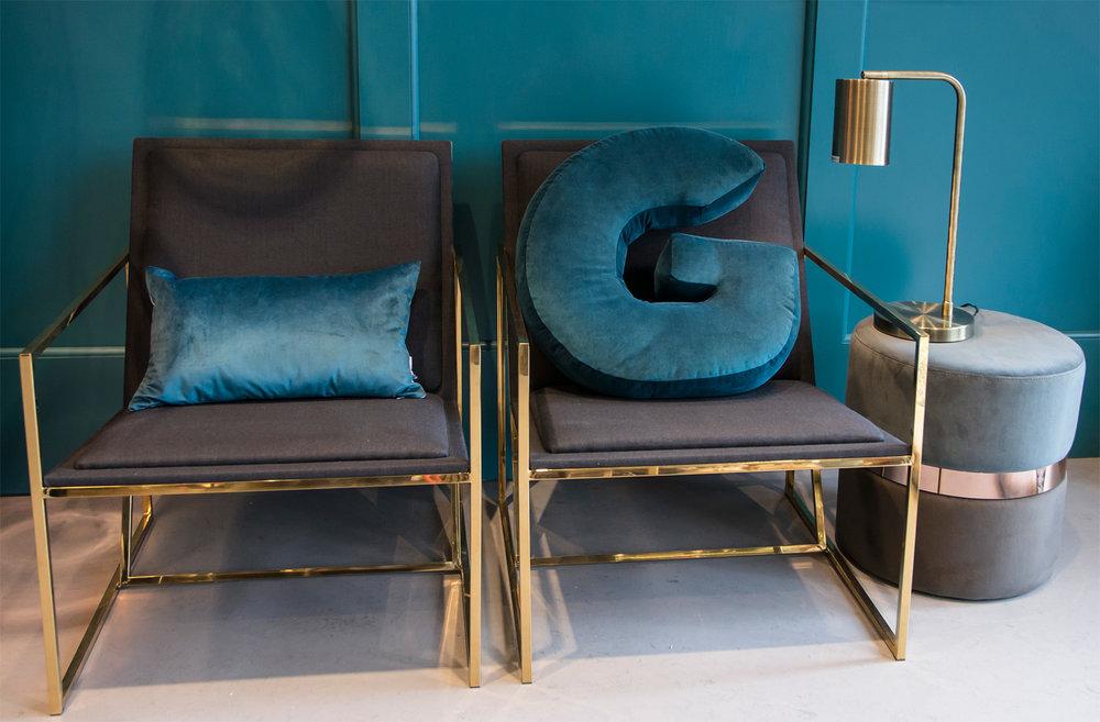 Banner-I-Complementi-di-Arredo-Collezioni-A-la-Page-Roma-design-mobili-divani-poltrone-specchi-cuscini-eleganti-originali.jpg