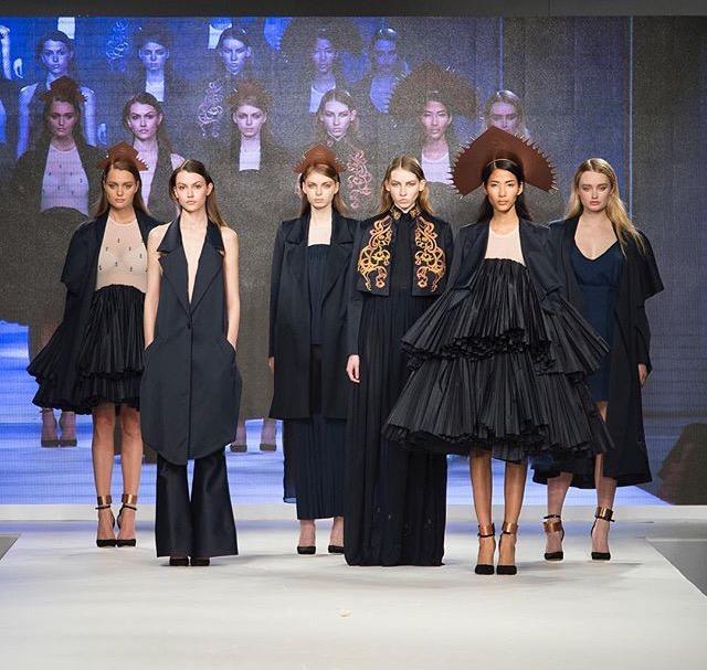 Courtney Plumb - Fashion designer