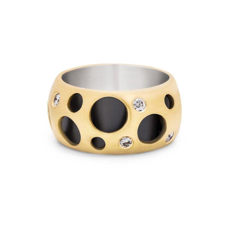 Dana Bronfman Diamond Hollow Ring, available con danabronfman.com