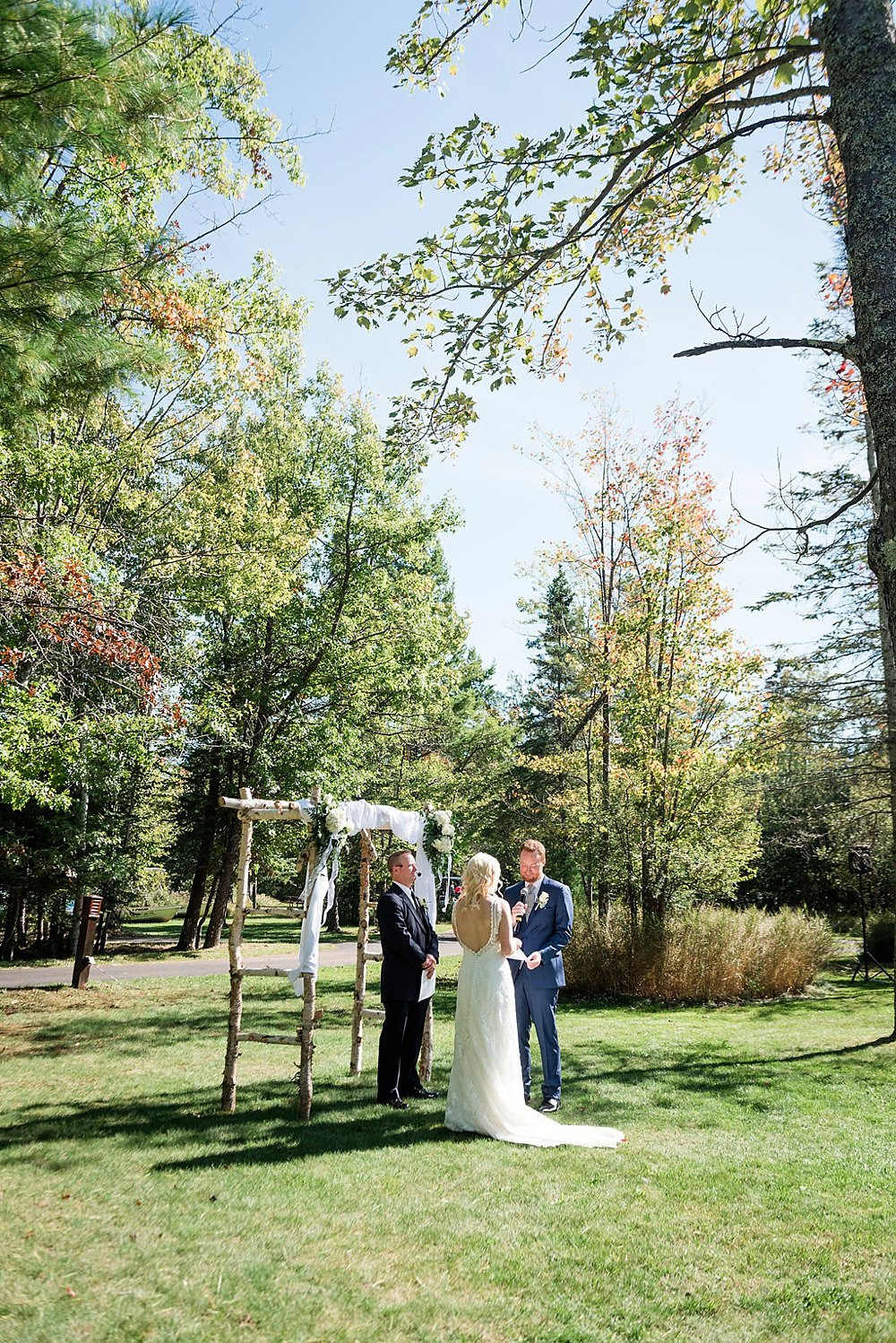 Eagle_River_WI_Fall_wedding_0024.jpg