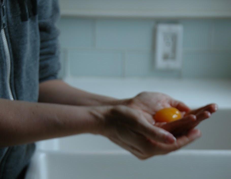 Egg Hand Muina.jpg