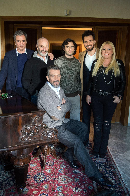 Monika Bacardi on set with Antonio Banderas
