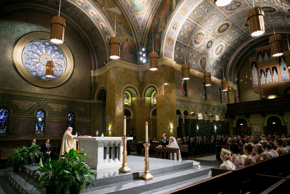 LisaDiederichPhotography_Meghan&Pete_ChicagoWedding_Blog-20.jpg