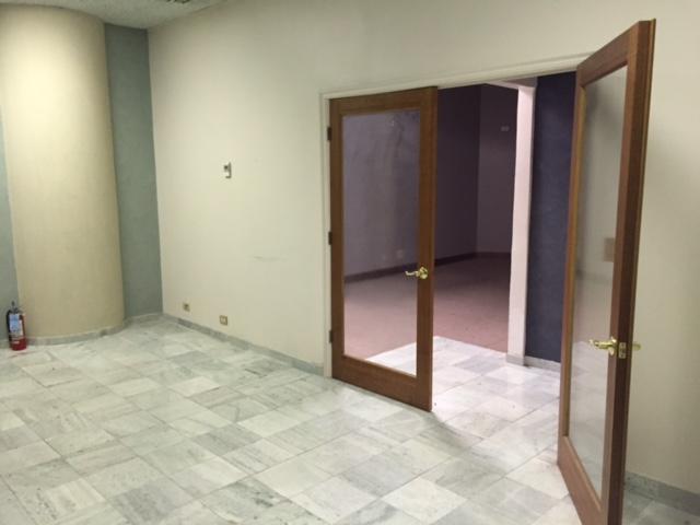 St 217 Front room (1).jpg