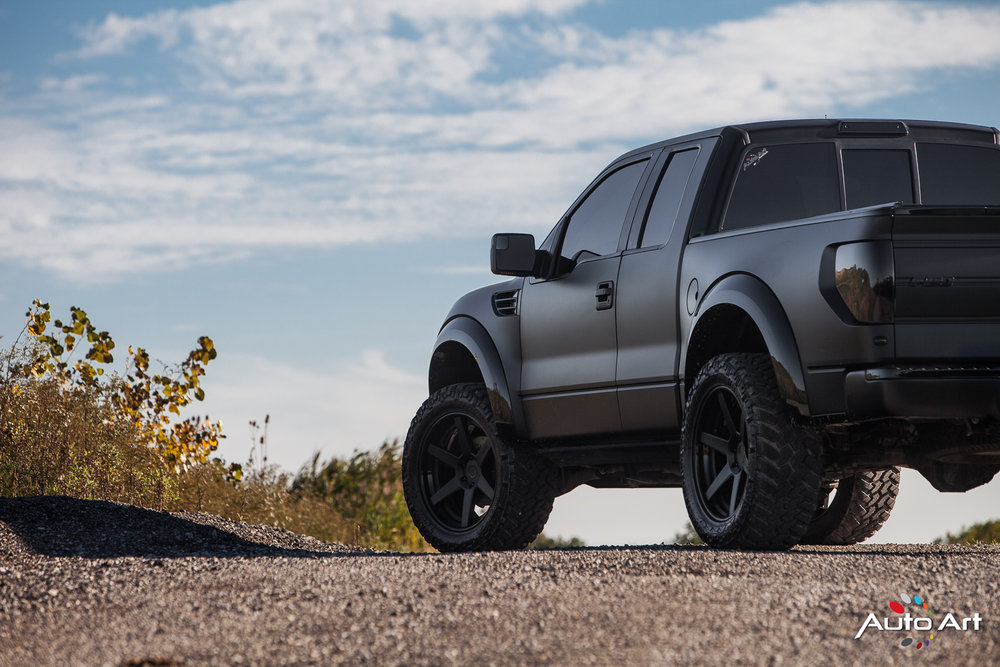 ford-svt-raptor-blacked-out.JPG