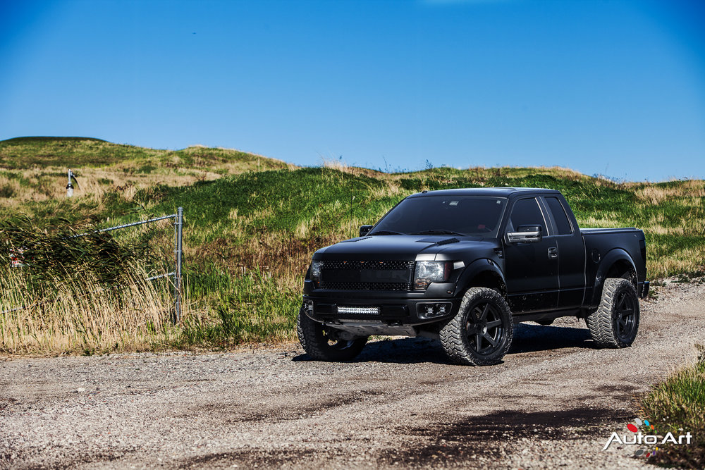 ford-raptor-black-custom.JPG