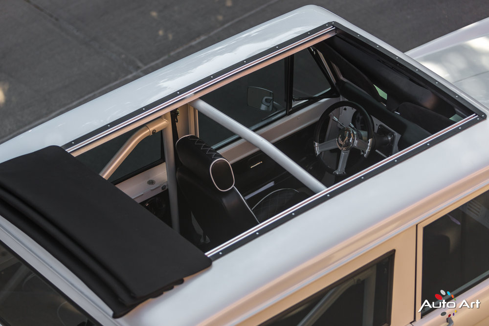 ford-bronco-panoramic-roof.JPG