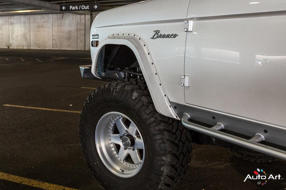 ford-bronco-custom.JPG