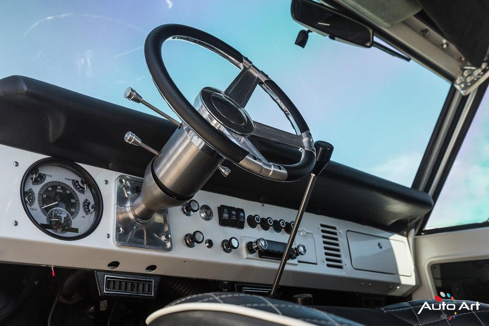 ford-bronco-1960-era.JPG