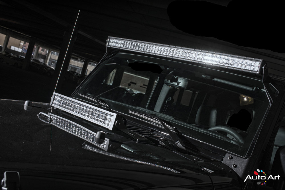 dual-light-bars-jeep.JPG