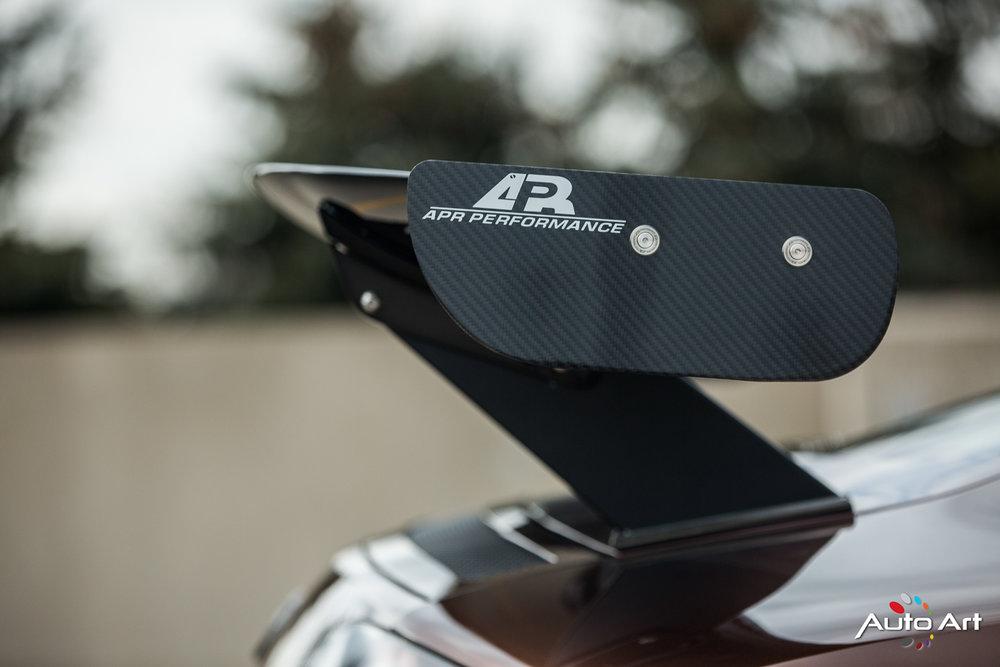 audi-r8-carbon-wing.JPG
